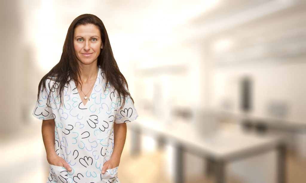 Снимка на Илина Младенова към профила й в сайта 1dkk.bg