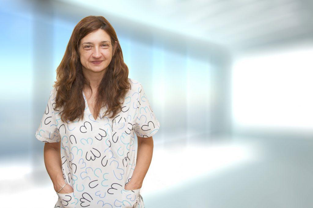 Снимка на д-р Яна Янева към профила й в сайта на 1dkk.bg